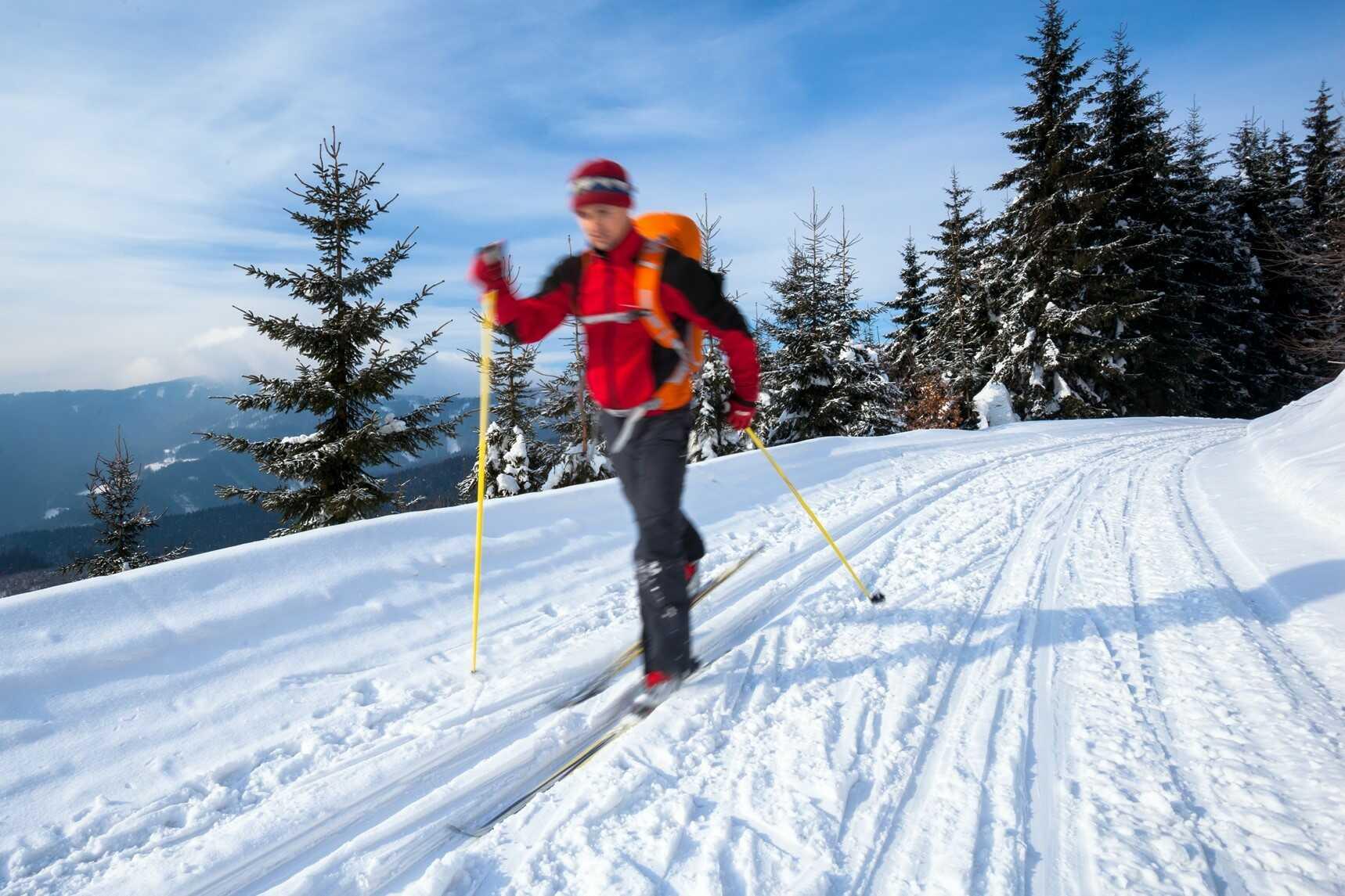 Hoạt động trượt tuyết trên dãy núi Troodos vào mùa đông